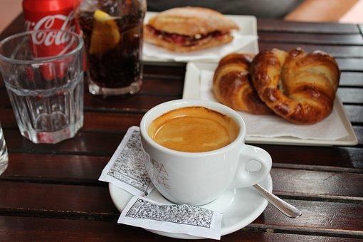 Se traspasa cafeteria - take away en Eixample Dret ref.
