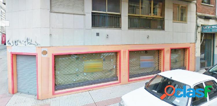 Urbis te ofrece un local comercial en alquiler en zona