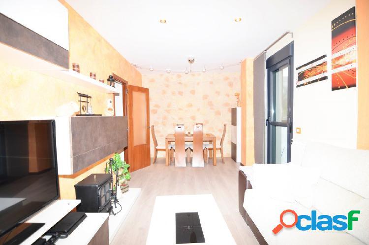 Urbis te ofrece un maravilloso piso en alquiler en zona La
