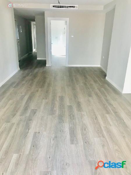 API LUNA AB vende bonito piso reformado en el centro.
