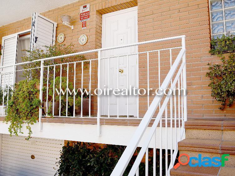 Casa adosada en venta en Alella centro de 220 M2