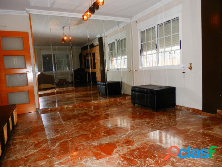 Gran Ático Señorial con 40 m2 de Terraza