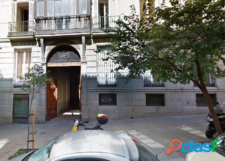 LOCAL COMERCIAL EN CENTRO MONUMENTAL DE MADRID - OPORTUNIDAD