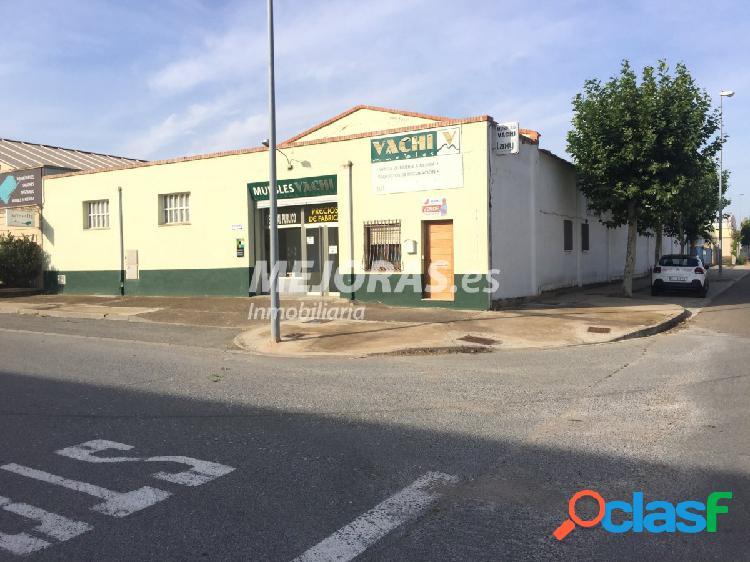 Nave y negocio a la venta por jubilación en Cintruénigo