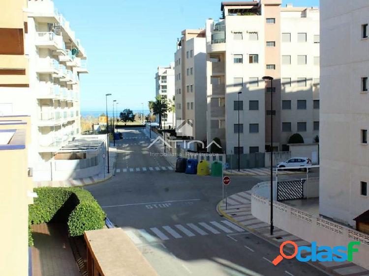 Precioso apartamento con vistas al mar situado en 3ª línea