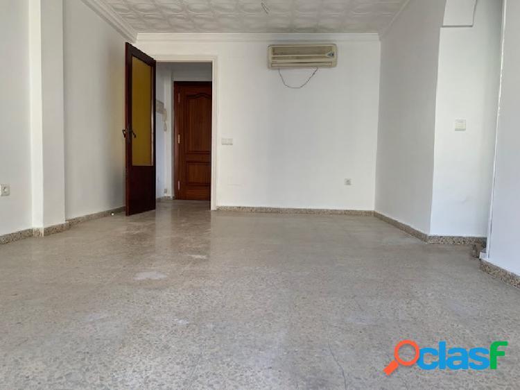 Oportunidad piso en Estepona Cerca de todo.