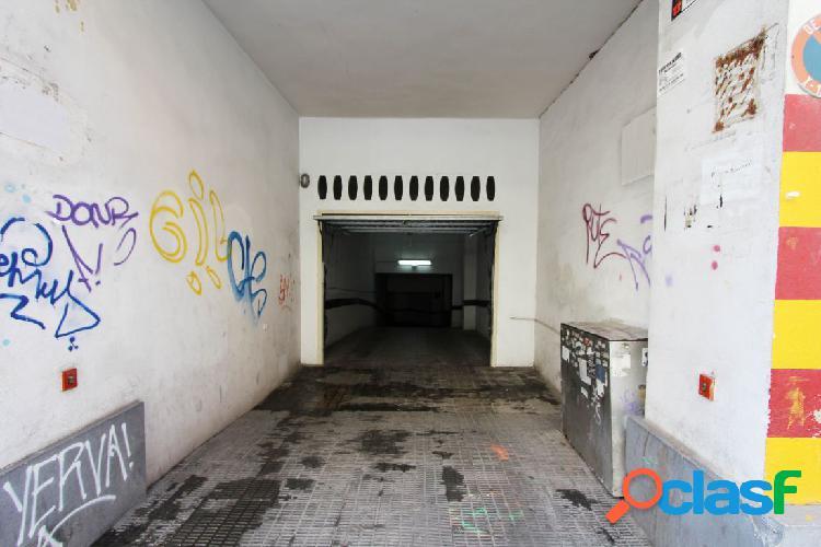 Plaza de garaje en alquiler Calle Luis Oliag