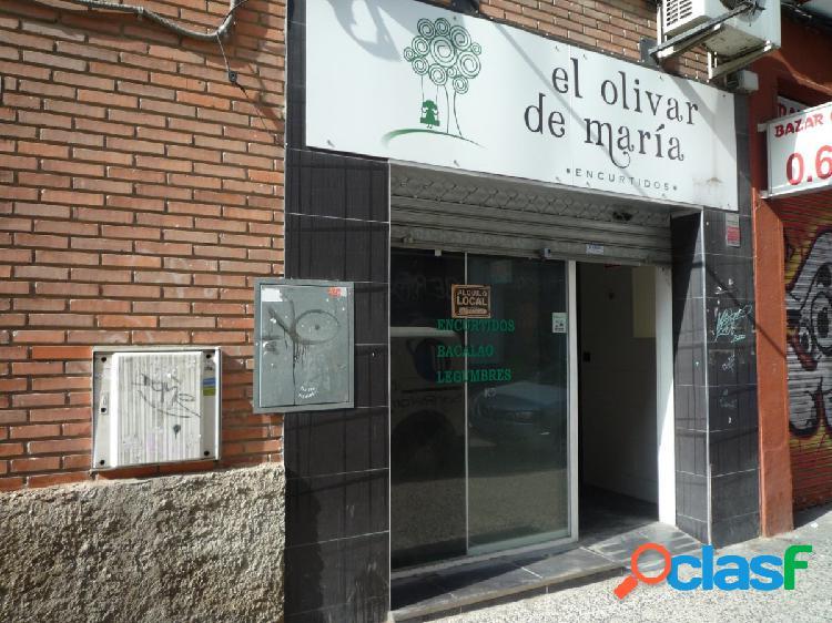 Se Alquila Local Comercial en Calle Doce de Octubre