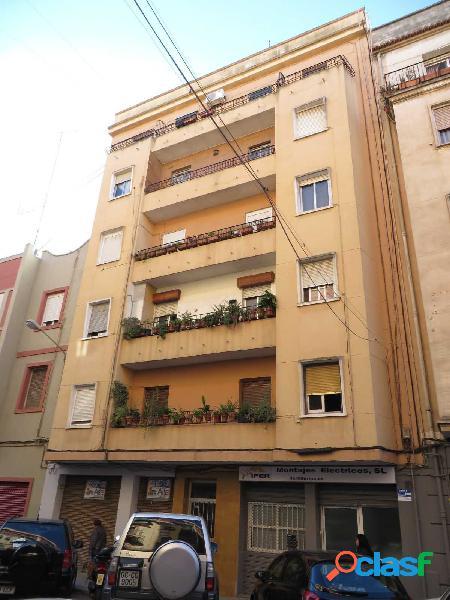 Se vende piso en calle Archena de Valencia