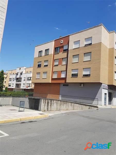 Urbis te ofrece una plaza de parking en Santa Marta de