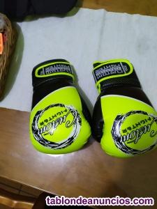 Ocasion.guantes de boxeo. Nuevos a estrenar