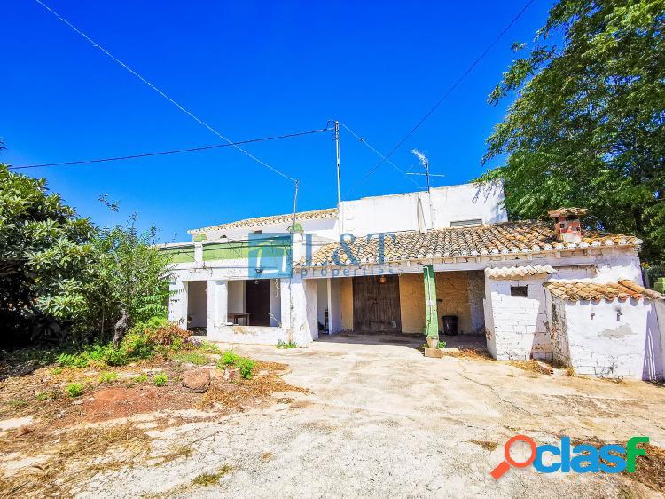 Casa de Campo junto al pueblo de Gata