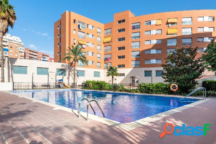 Piso + Parking + Zona Comunitaria con piscina