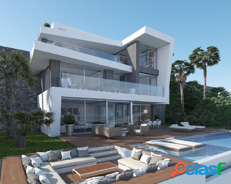 Villa de nueva construcción en primera línea con vistas al
