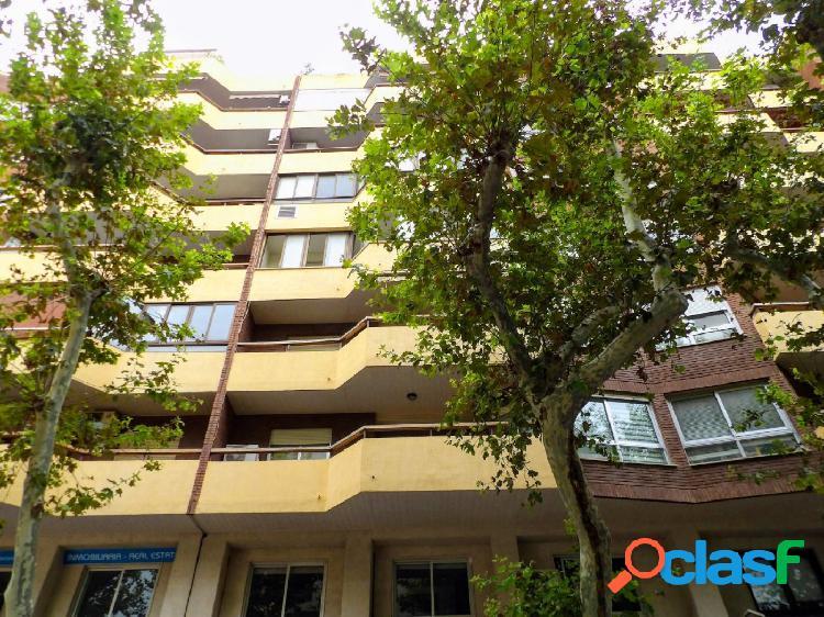 Amplio piso de 4 dormitorios en el centro de Denia