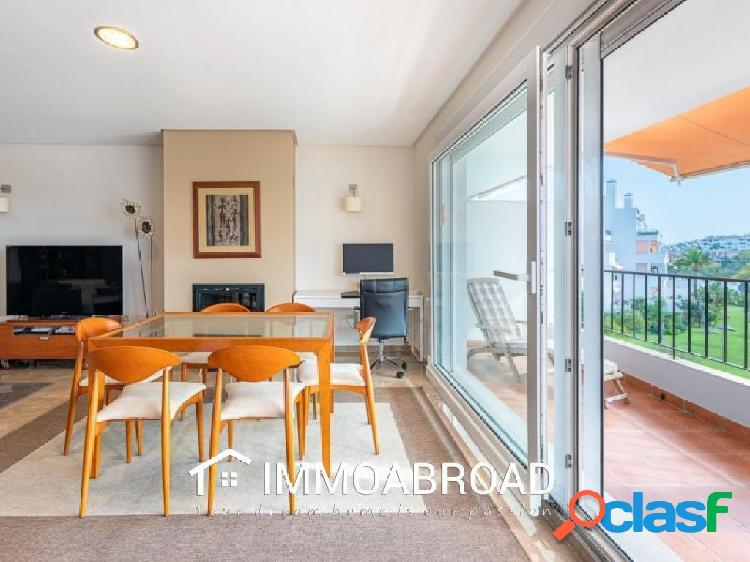 Apartamento en venta en Benalmádena con 3 dormitorios y 3