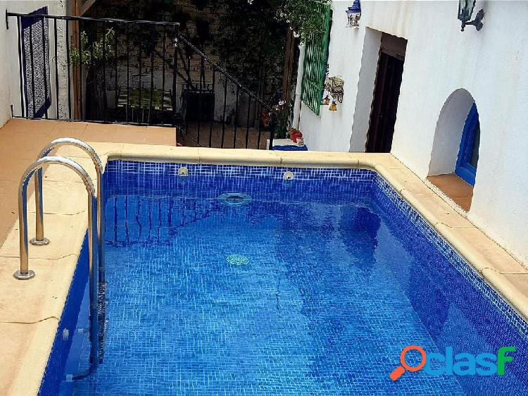 Casa Rústica en venta en Pinos del Valle de 300 m2