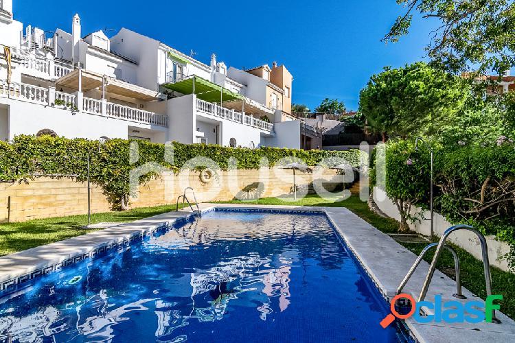 Casa en venta de 425 m2 en Calle Olmos, 29018, Malaga.