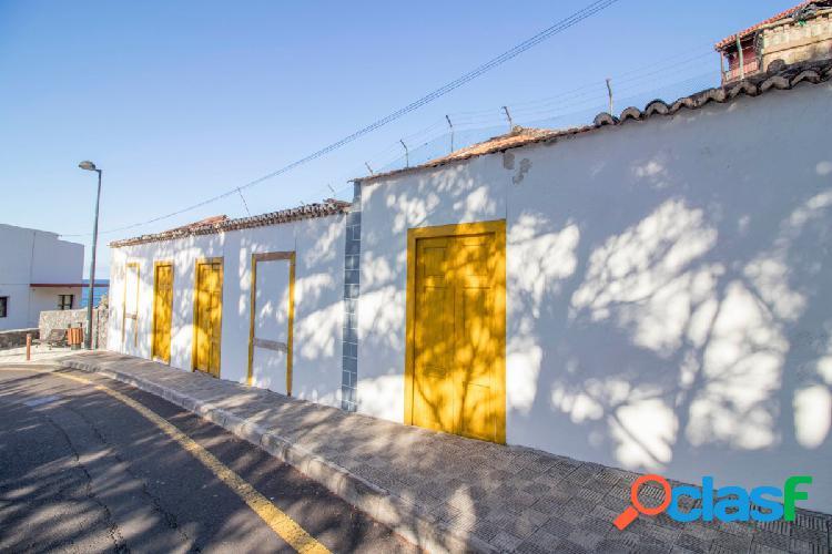 Casa típica canaria a reformar en la costa de La Palma.
