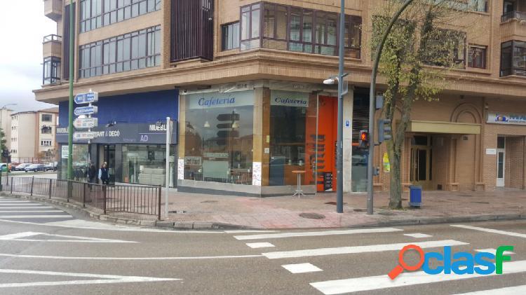 En Burgos. Alquiler de estupenda cafetería en Avenida del