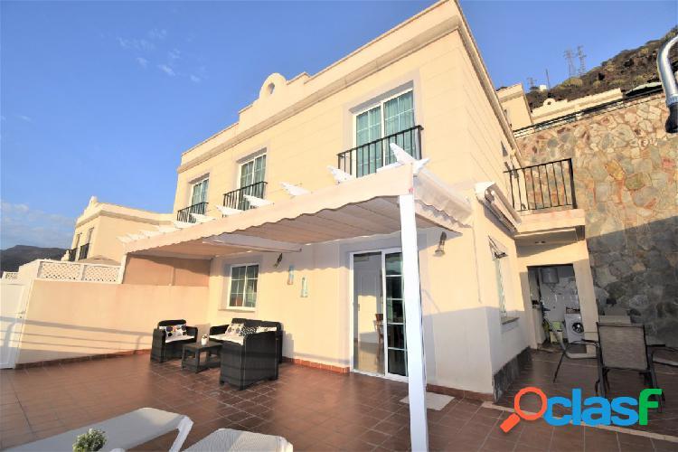 Estupendo dúplex en zona residencial en venta en Puerto