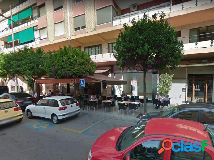 Estupendo local en venta o alquiler en Alzira en Avenida