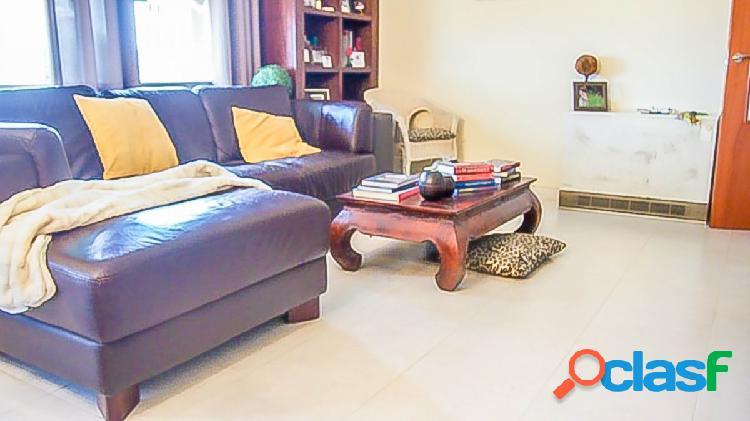 Gran piso soleado para entrar a vivir en Gelida