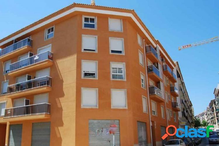 Oportunidad Se vende piso de tres dormitorios en Jávea