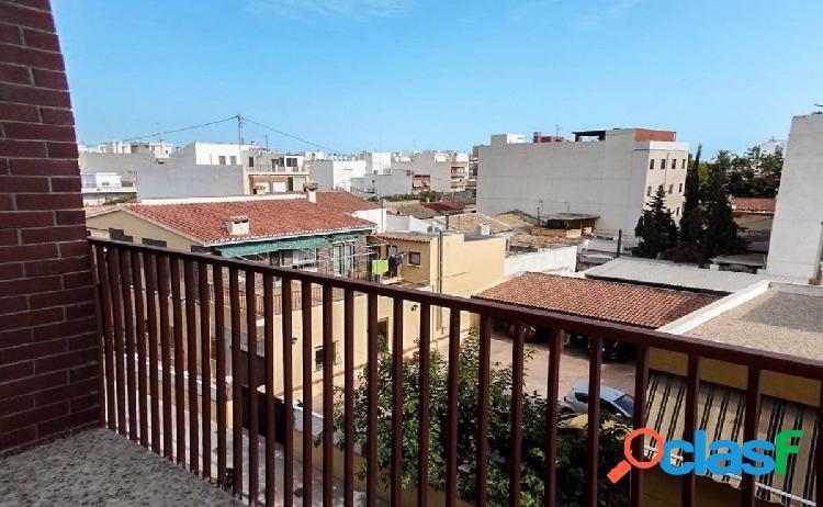 Piso de 3 dormitorios muy luminoso en Muchamiel, zona norte.