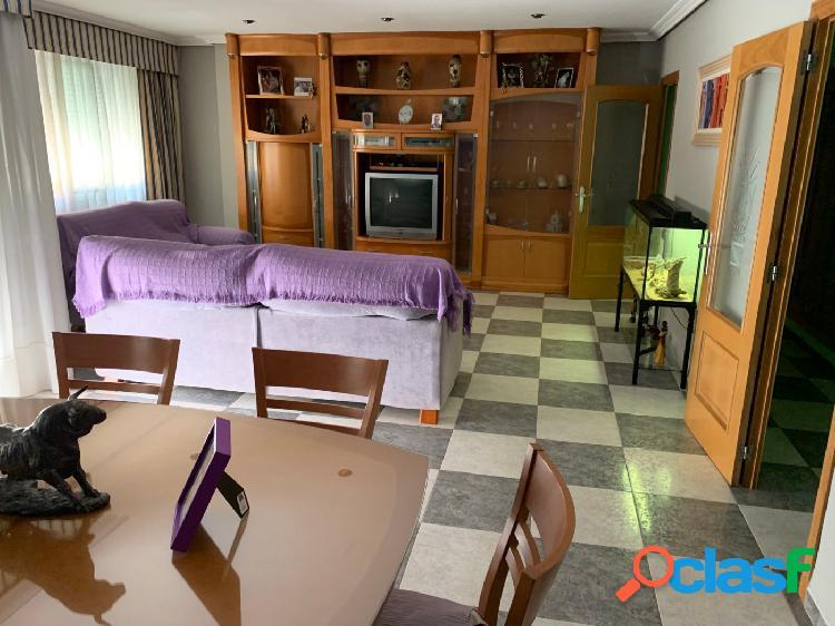 Piso de 4 habitaciones a la venta en Sant Rafel.