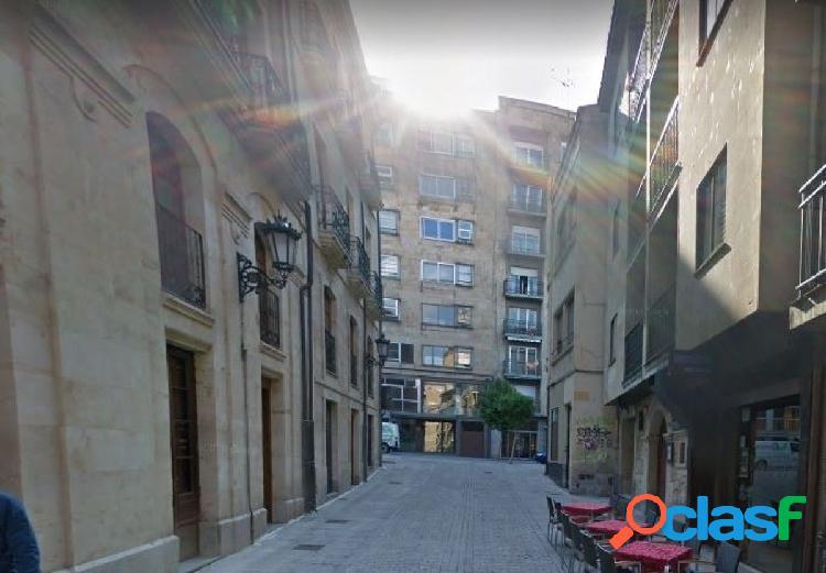 Urbis te ofrece un estupendo local en el pleno centro de