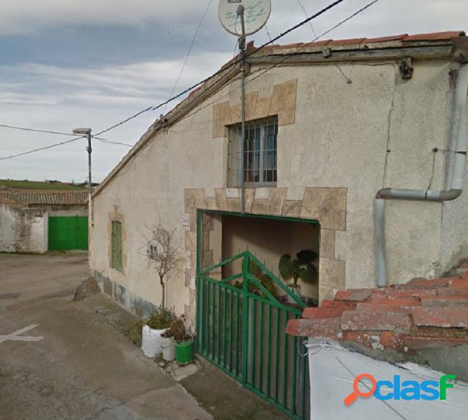 Urbis te ofrece una casa en Mozárbez, Salamanca.