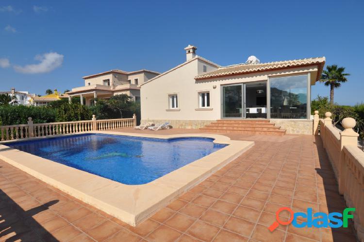 Villa de lujo con impresionantes vistas al mar en venta en