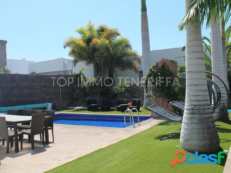 Villa en 'Oasis Del Duque' Playa del Duque, Adeje