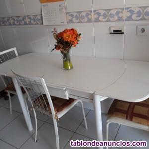 Se vende mesa extensible de cocina y sillas