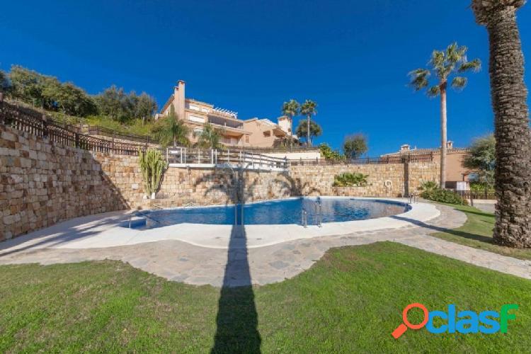 Apartamento Dúplex en venta en El Vicario, Marbella