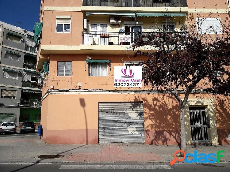 INMOVILCASH ALQUILA 400€ Local en zona Princesa