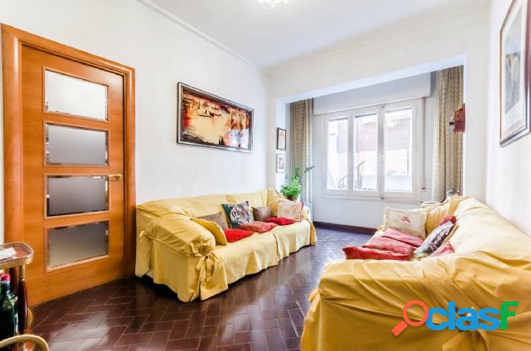 Piso en venta de 99m2 con 3 habitaciones, 1 baño y aseo en