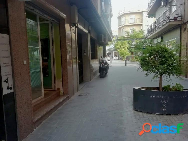 Alquiler de local comercial en Maracena (Zona Centro)