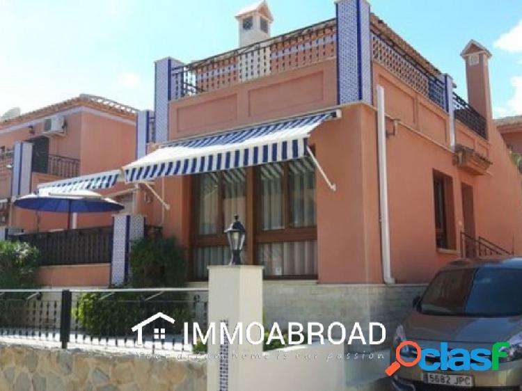 Chalet en venta en San Miguel de Salinas con 2 dormitorios y