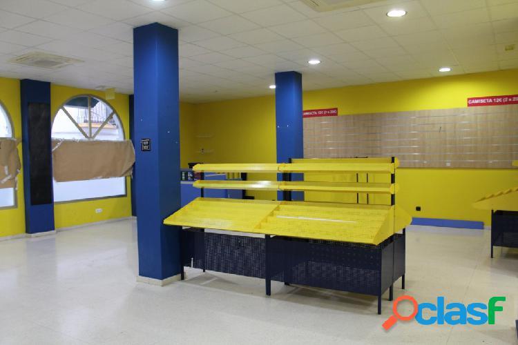 Estupendo local de 120 m2 en el centro de Estepona
