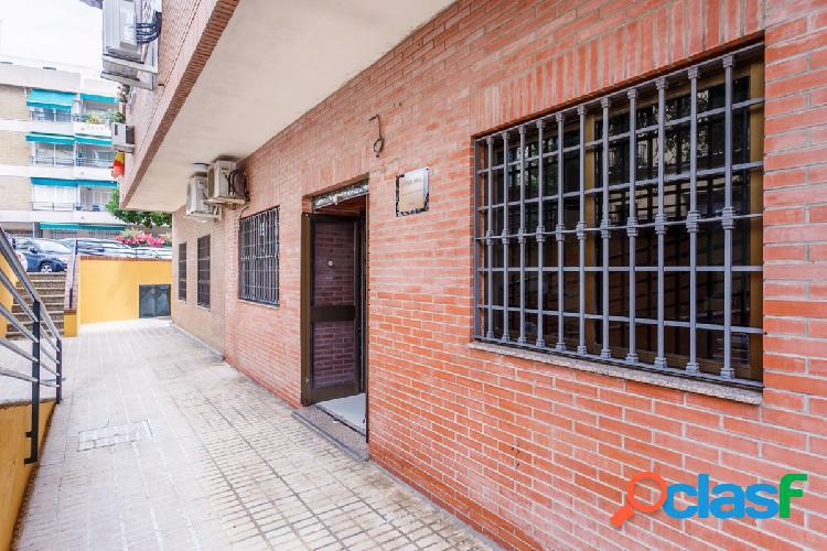 Local situado en el barrio de El Porvenir