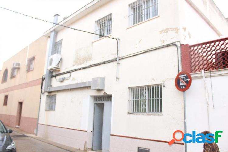 SE VENDE LOCAL COMERCIAL EN ZONA ESTE