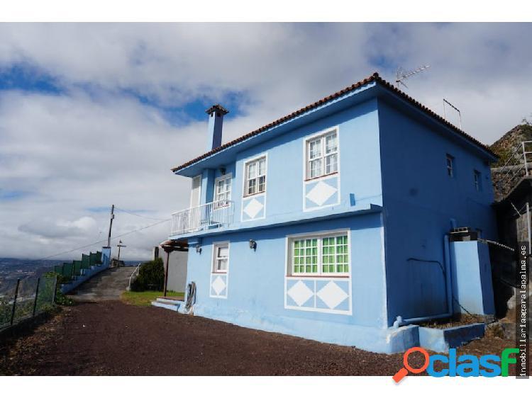 Se vende casa de dos plantas en Puntallana