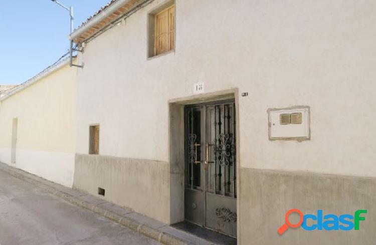 Urbis te ofrece una estupenda casa en Macotera, Salamanca