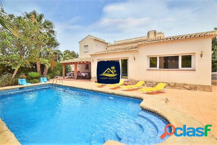 Villa Mediterránea de 4 dormitorios en Javea · TOSCAL |
