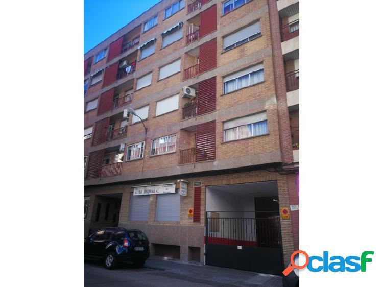 Alquiler de plaza de garaje en Calle Toledo, muy espaciosa.