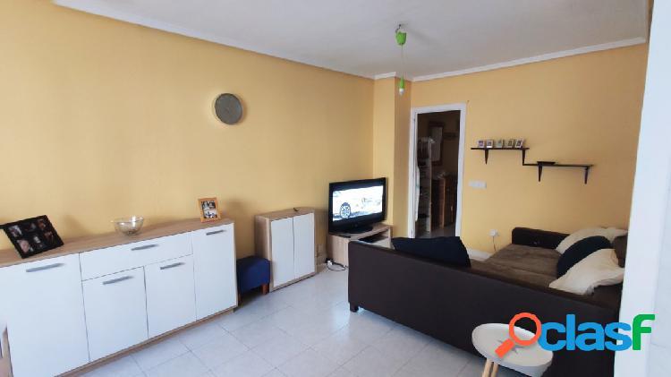Apartamento de 1 dormitorio con piscina