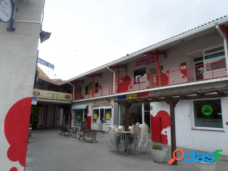 Local en venta en El Casar, Guadalajara