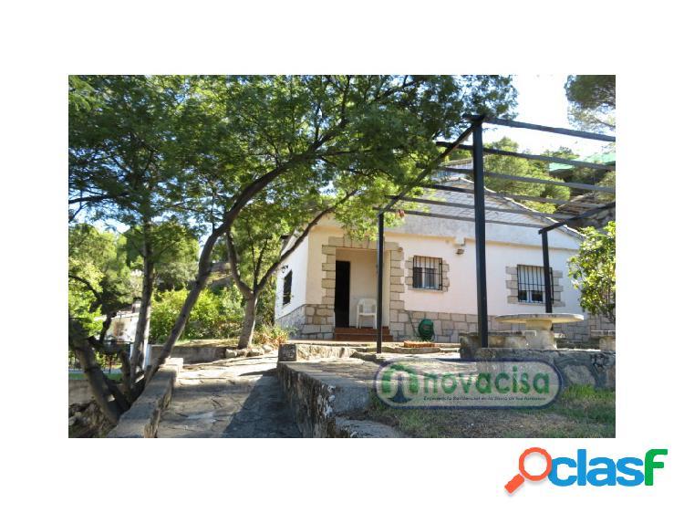 PISO de 3 dormitorios en el centro urbano de CADALSO DE LOS